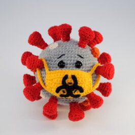 Вязаный коронавирус