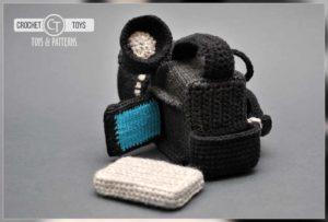 Crochet camera