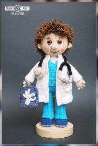 Crochet doll doctor