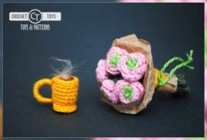 Crochet flowers and cup