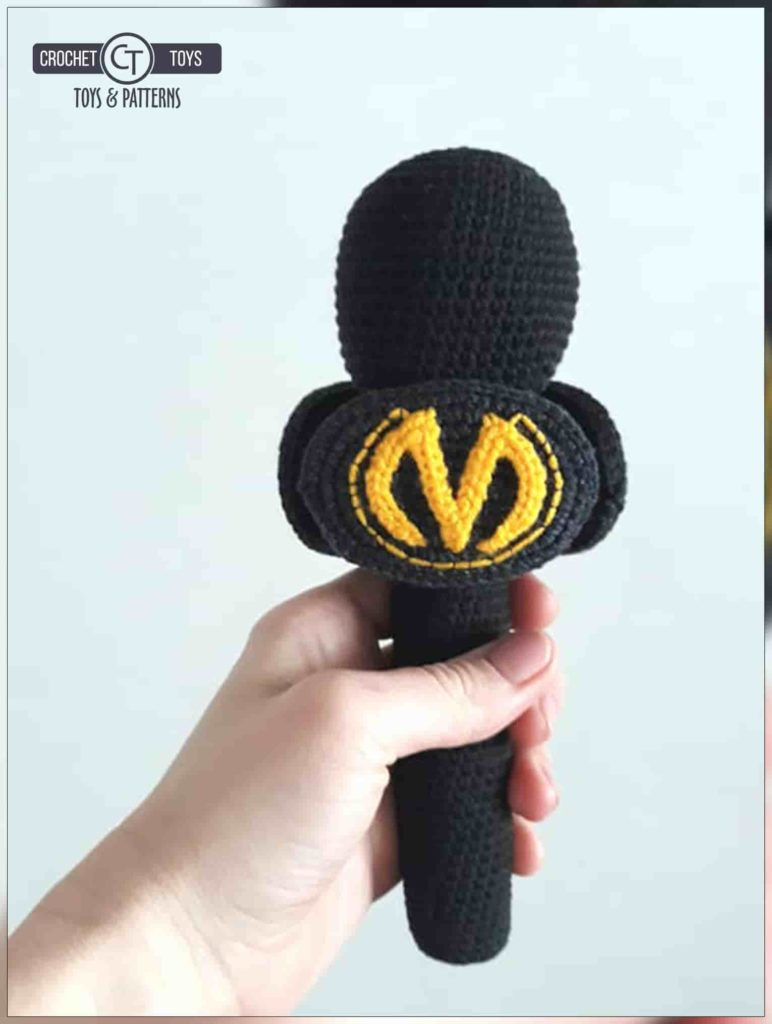 Crochet TV microphones