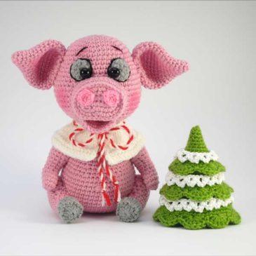 Crochet piggy