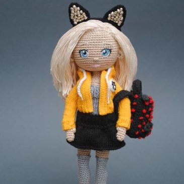 Crochet blonde doll