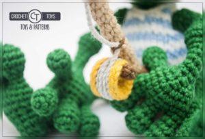 Crochet frog fisherman